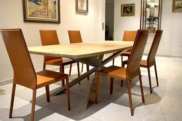 Table de salon sur mesure pied inox et plateau chêne 1
